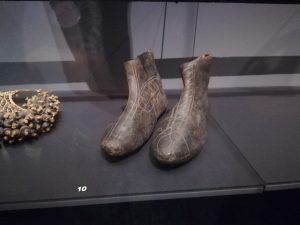 Claude Portmann WA0004 300x225 - Retour sur le 3 mai 2019 : rencontre avec Anne Sibran au Musée d'ethnographie de Genève