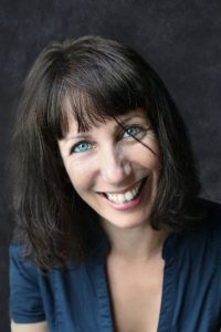 Diane PeylinHDCompr 200x300 - Ateliers d'écriture avec Diane Peylin, en ligne et en présentiel